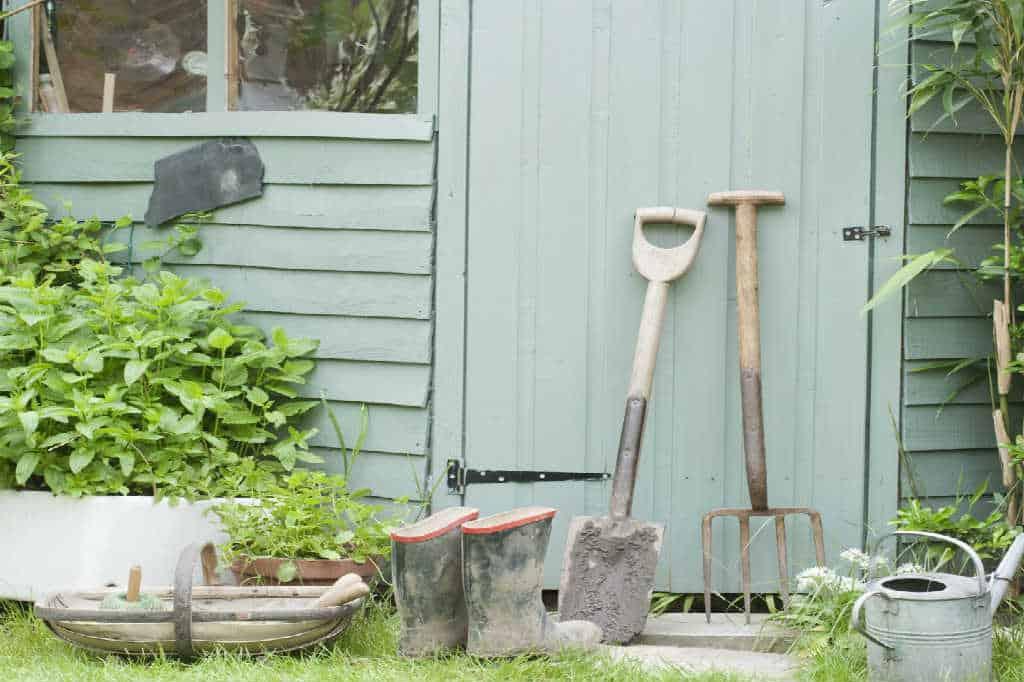 Tips til hvordan du bygger et skur til haven